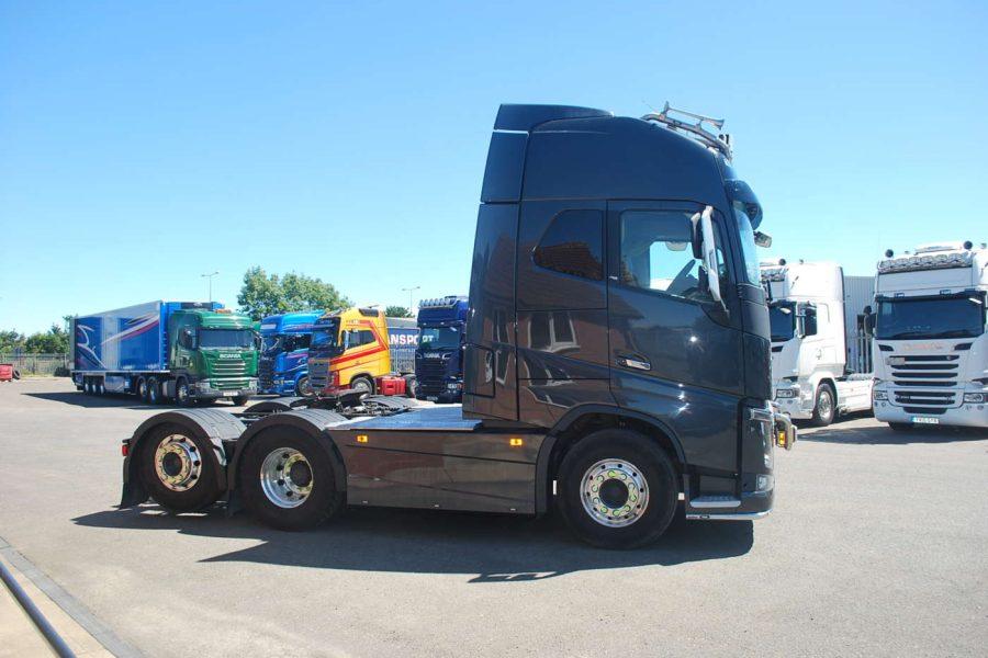 Volvo Fh16 750 Globetrotter Xl Tag Axle Moody International Scania